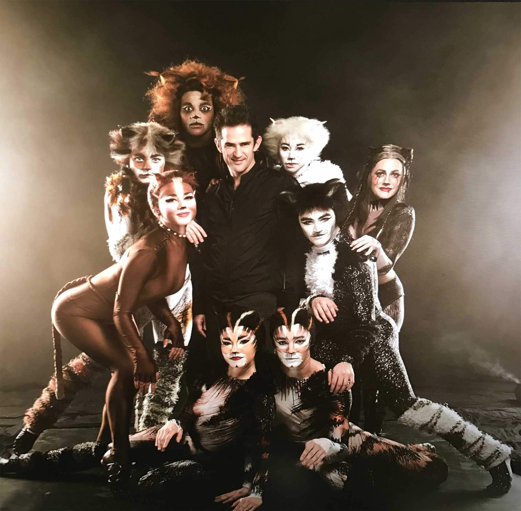 cast photo: Cats (2016)